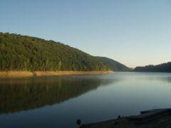 Lacul Valiug dimineata