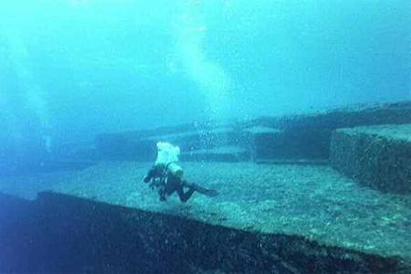 Atlantida - Tringhiul Bermudelor