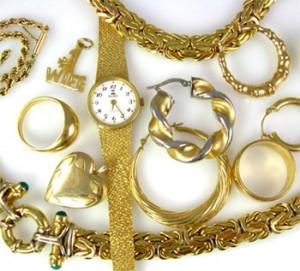 cum se curata bijuteriile de aur