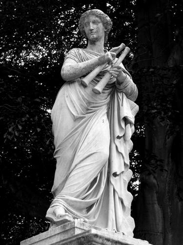 Statuia lui Euterpe muza poeziei lirice