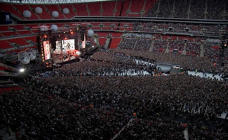 Muse in concert pe Wembley