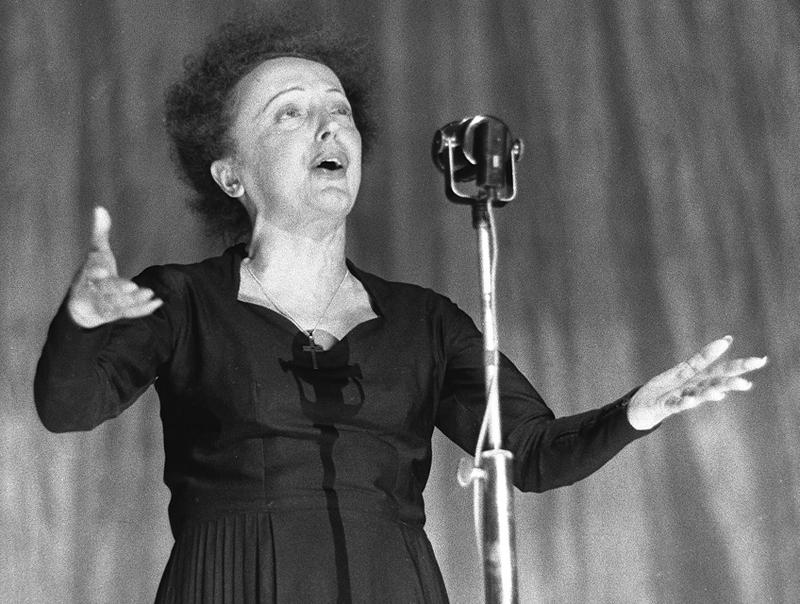 Edith Piaf pe scena