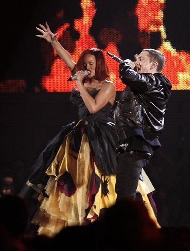 Eminem si Rihanna la Billboard 2011