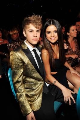 Justin Bieber si Selena Gomez