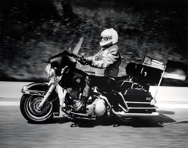 Elizabeth Taylor pe Harley Davidson
