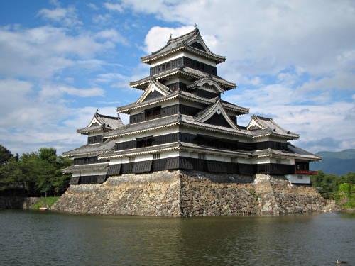 castelul Matsumoto din Japonia