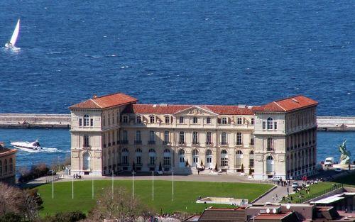Palatul Pharo