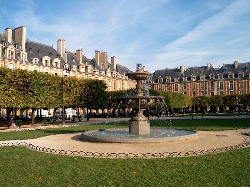 Place des Vosges (Piata Vosgilor)