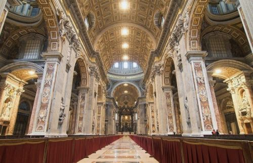 Bazilica Sfantul Petru din Piata San Pietro Roma
