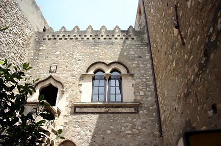 Palatul Corvaja din Taormina