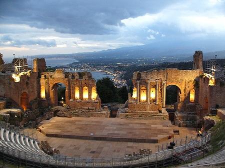 Teatrul grec din Taormina