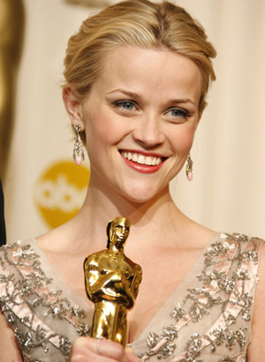 Reese Witherspoon castigand Oscarul