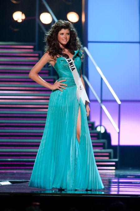 Oana Paveluc la finala Miss Universe 2010