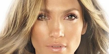 Machiaj de vara in culori aurii in stil Jennifer Lopez