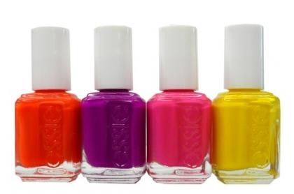 Lacuri de unghii in culori vibrante