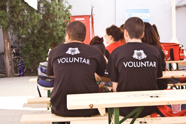 voluntari la FITS 2011