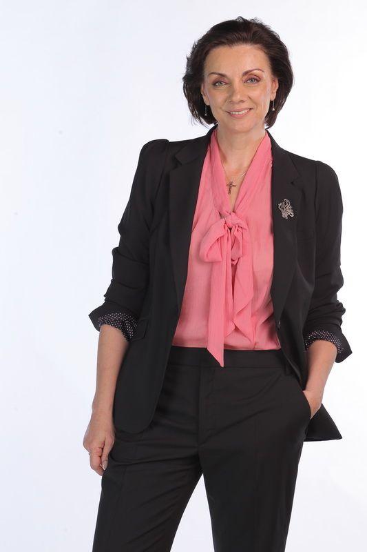 Mara Anghel (Carmen Tanase)