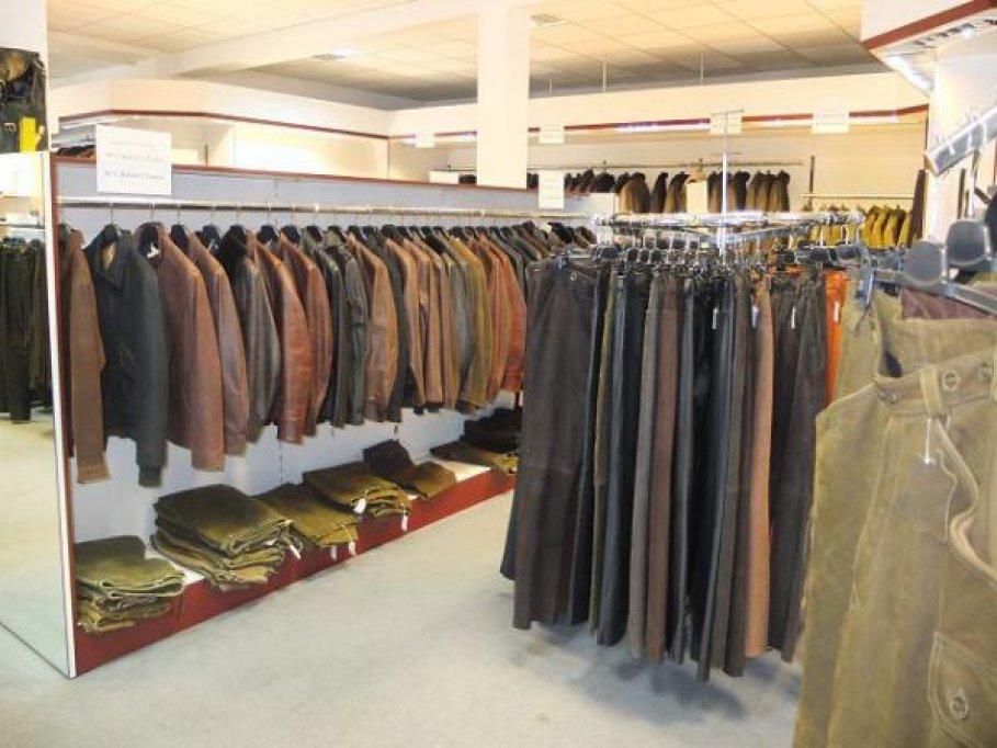 Imbracaminte/haine noi lichidare stoc magazin Germania