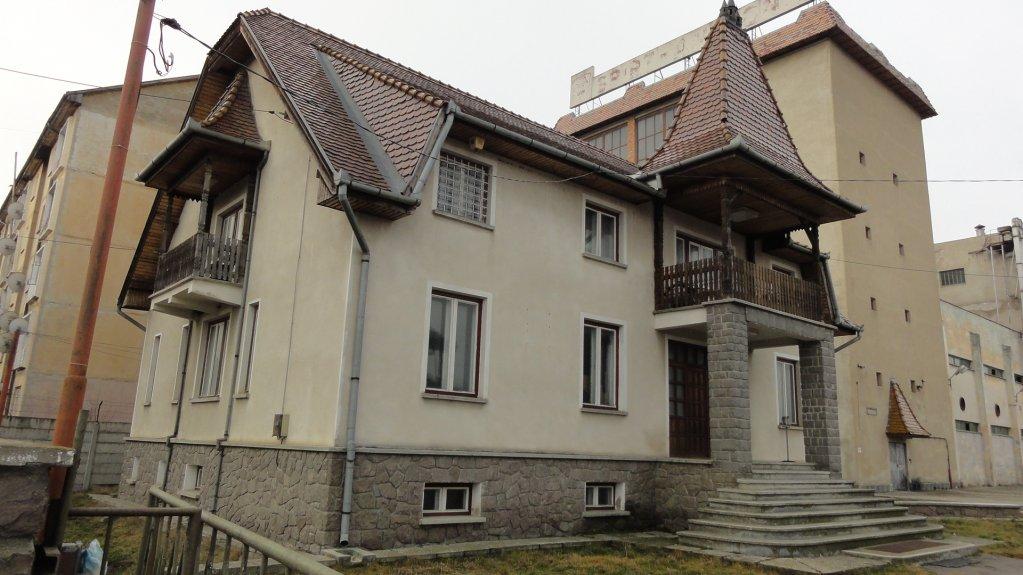 Cladire Ozun , jud Covasna – 110.000 EUR