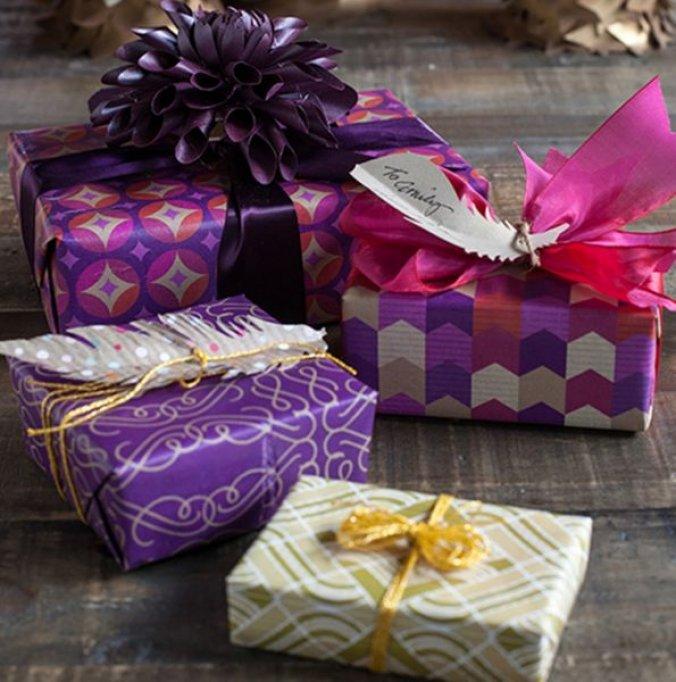 Cinci idei de cadouri deosebite pentru iubiti si iubite