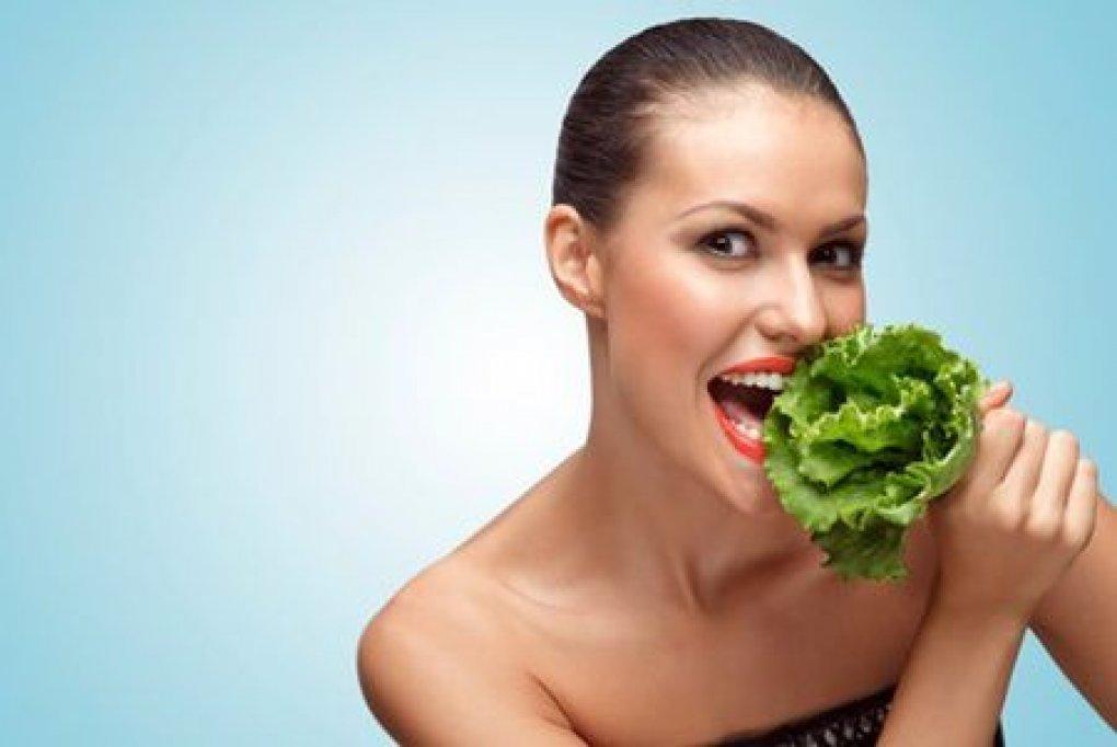 De ce este bine sa mancati salata verde?