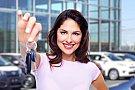 Cine spune că femeile nu pot fi bune şoferiţe? Top sfaturi pentru misiunea întreţinerii maşinii