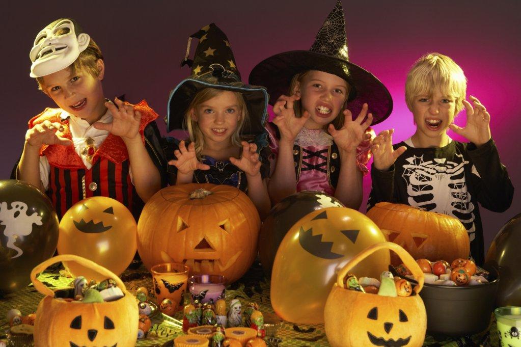 Petreceri reusite de Halloween pentru copii