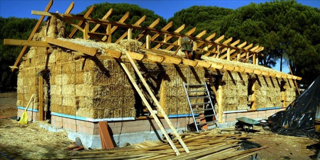 Izolarea termica si acustica la casele ecologice