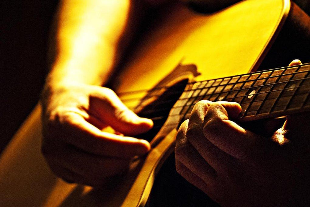 Cultivă-ţi pasiunea pentru muzică cu Magazinul de Muzică