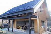 Industria construcţiilor de case evoluează, lemnul rezistă