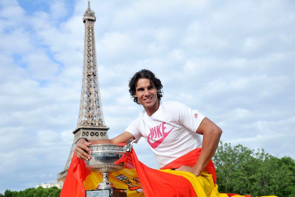 Eroii sportului spaniol – expoziţie fotografică outdoor la  Palatul Suțu - Muzeul Municipiului Bucureşti