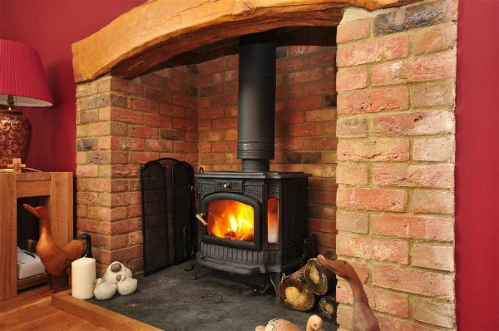 Afla care sunt criteriile de alegere a celui mai potrivit focar semineu pentru o casa primitoare