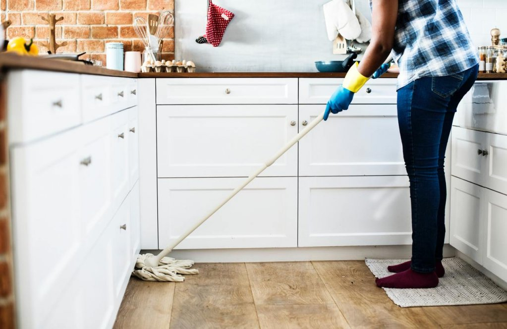 Știai că poți face curățenie de 2 ori mai repede în toată casa? Află AICI ce pași să urmezi