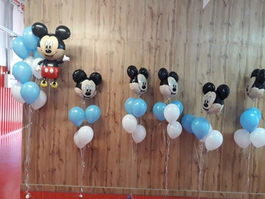 Idei creative pentru a folosi baloanele folie la petrecerile aniversare