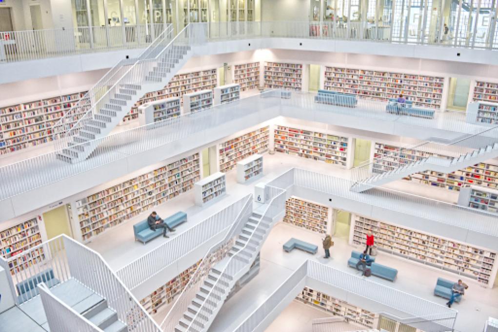 N-ai timp să mergi prin librării? Iată 5 motive să cumperi cărți online!