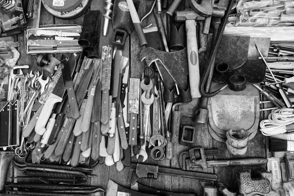 Unelte și accesorii care nu trebuie să lipsească din magazia ta