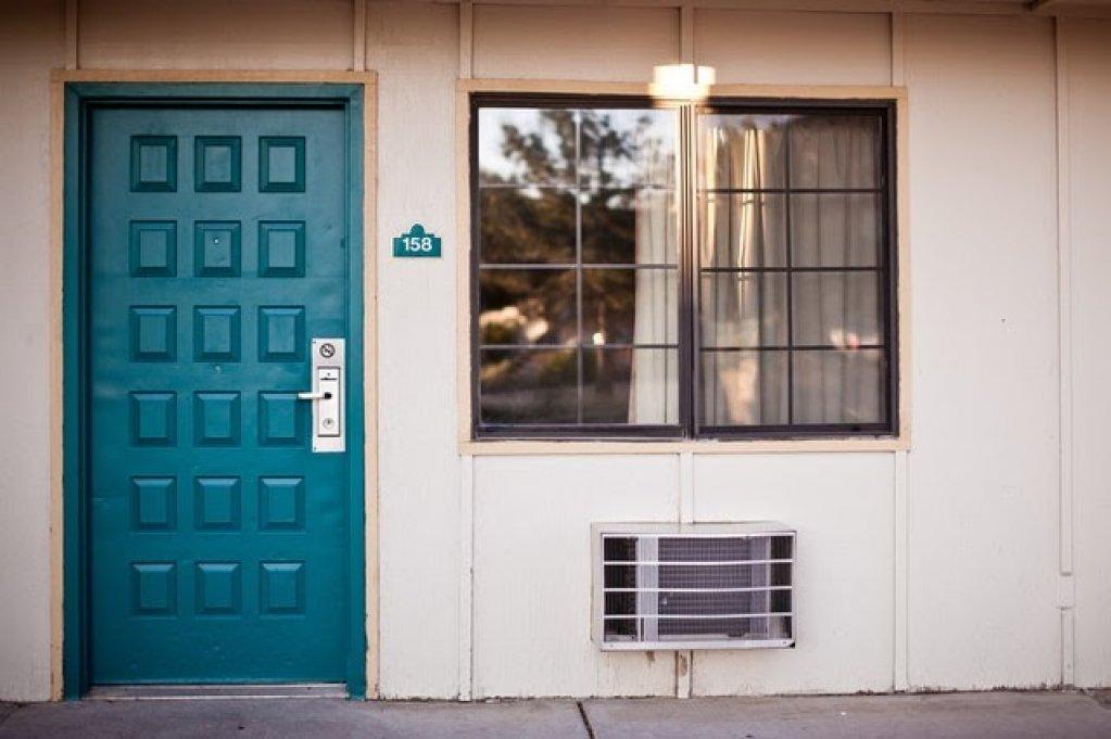 Ușa de intrare în casă, o achiziție mai importantă decât pare