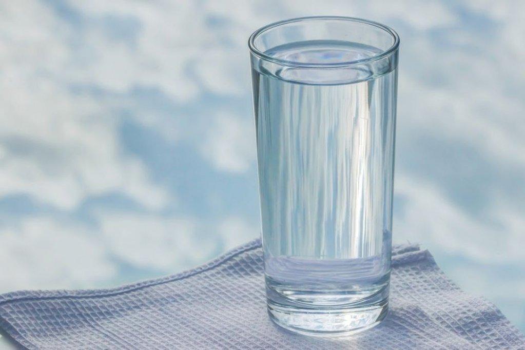 5 motive să folosești un dozator de apă