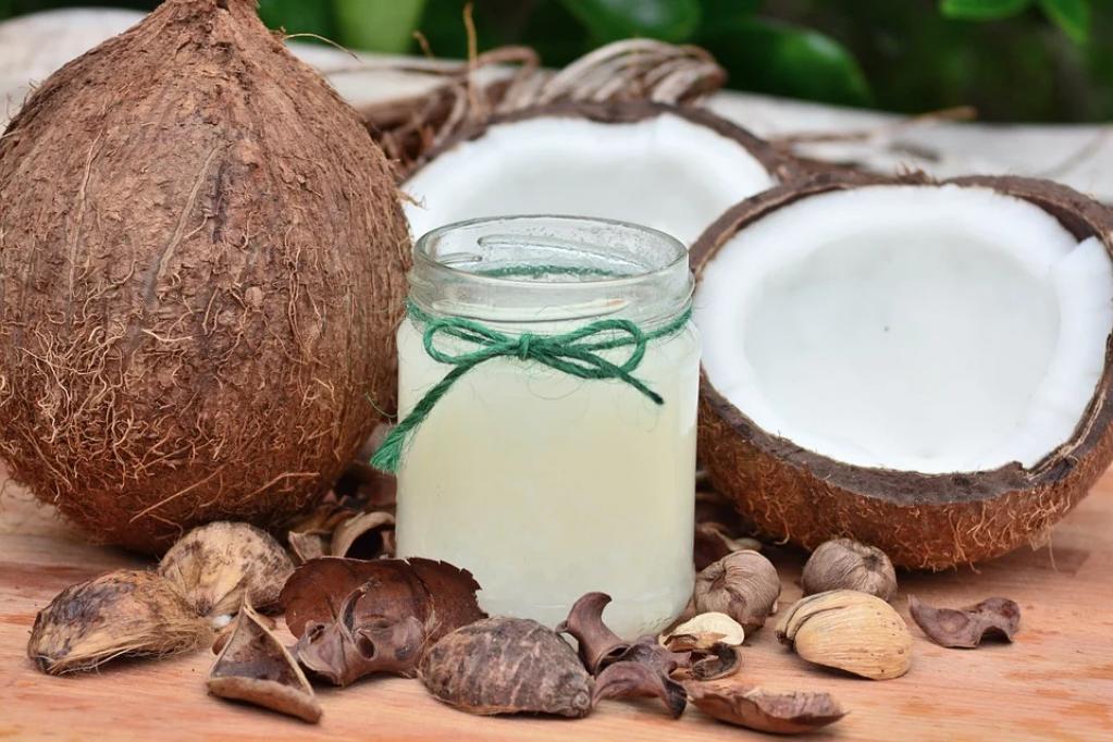 Uleiul de cocos în bucătărie - 3 rețete pe care trebuie să le încerci