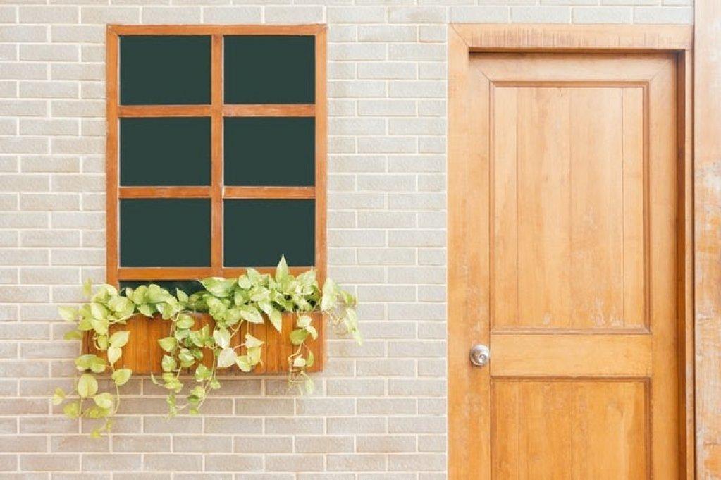 Ușa de la intrare și economia la căldură: Cum poți reduce facturile lunare
