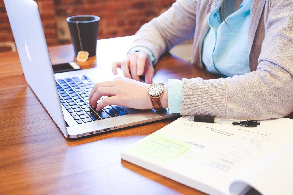 6 avantaje pe care le ai atunci cand folosesti un program de gestiune a afacerii tale