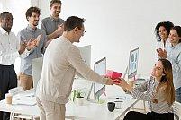 10 super idei cadouri colega birou. O sa te inlocuiasca data viitoare cand vrei o zi libera