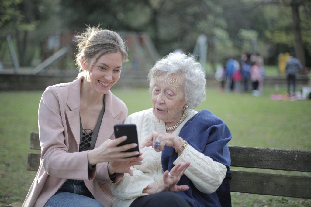 Cămine de bătrâni la care să-ți duci părinții pentru cea mai bună îngrijire