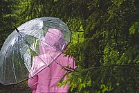 Articole vestimentare indispensabile în sezonul ploios