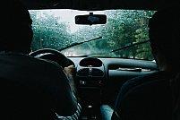 3 sfaturi pentru condusul pe timp de ploaie