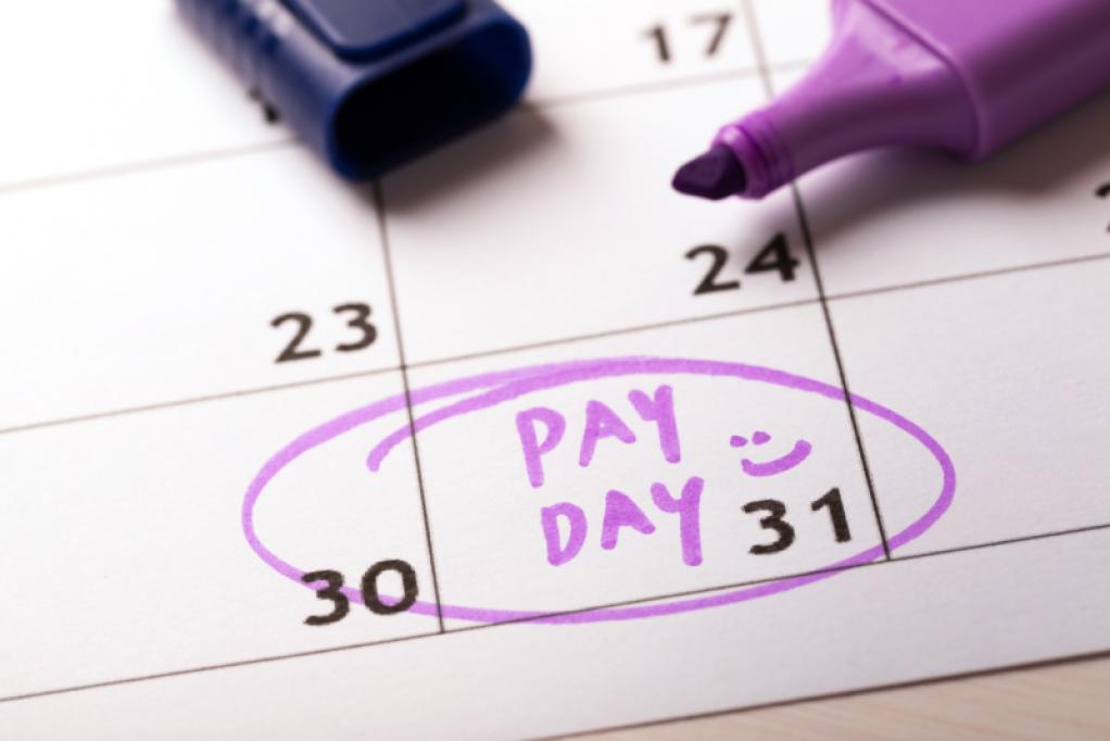 Utilizează un soft de pontaj și calculează corect salariile angajaților