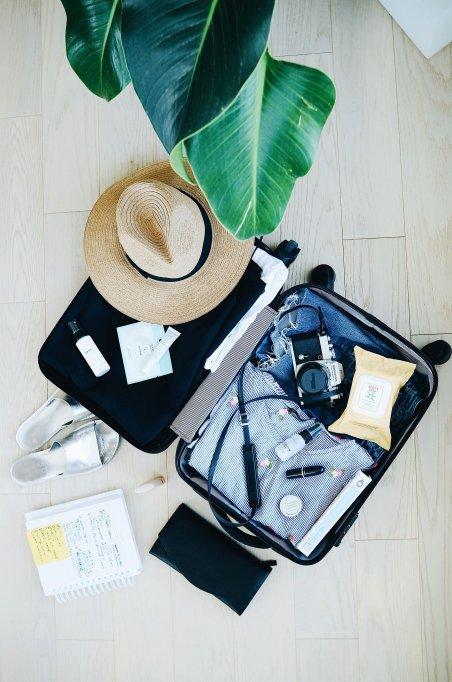 Ce trebuie să conțină valiza pentru vacanța la mare