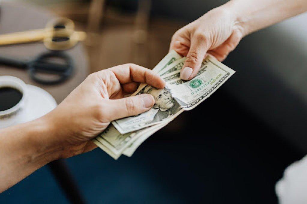 Cum să eviți ghișeele atunci când vrei un împrumut rapid?