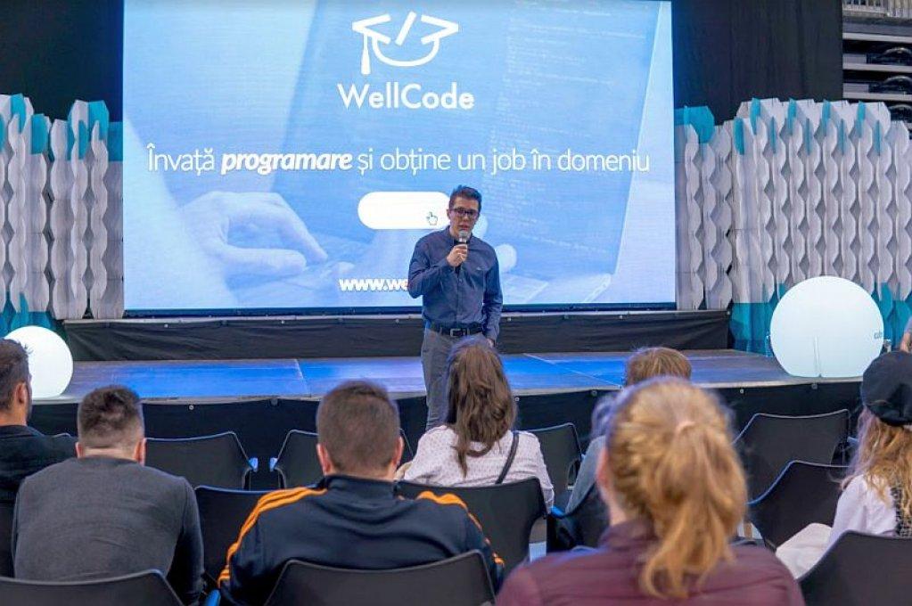 """La WellCode, """"teapa"""" este doar ca nu te angajezi din prima, ci din a doua incercare!"""