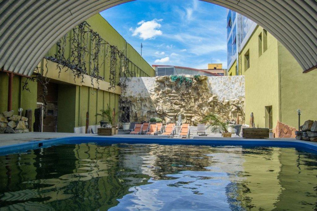 Aqua Rock Spa